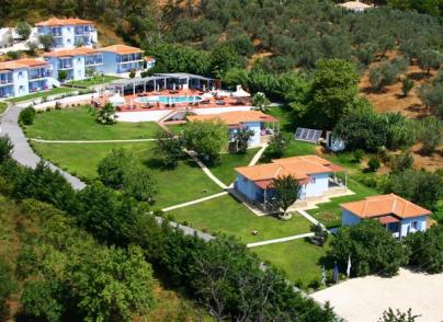 20-apartment hotel in verdant, private location