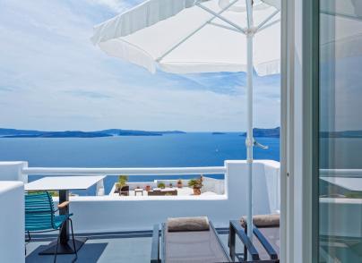 Famous caldera views Micro-Hotel