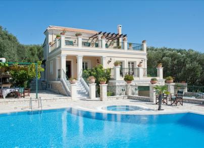 Villa in dominant position, with stunning views