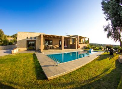 Luxury spacious villa