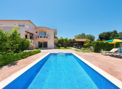 Luxurious and spacious villa