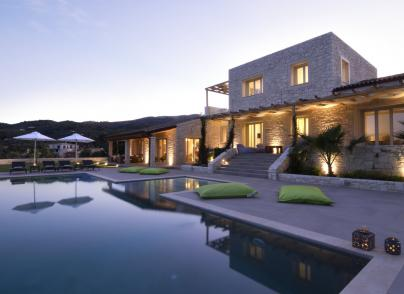 "An impeccable ""smart"" villa"