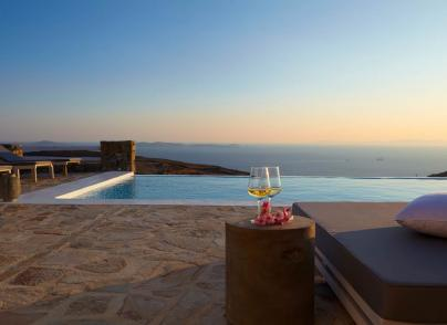 Well-designed villa with outstanding sunset and sea views