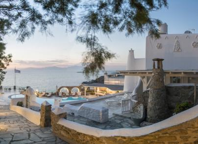 Villa with stunning views and private beach
