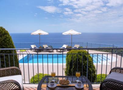 Villas with panoramic sea and mountain views
