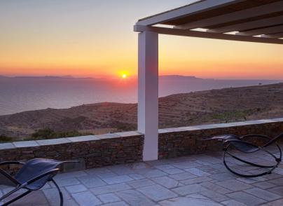 """""""Green"""" villa with investment perspective in the center of Aegean Sea"""