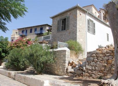 Beautifully restored, traditional Island villa