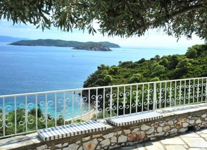 Villa with easy beach access
