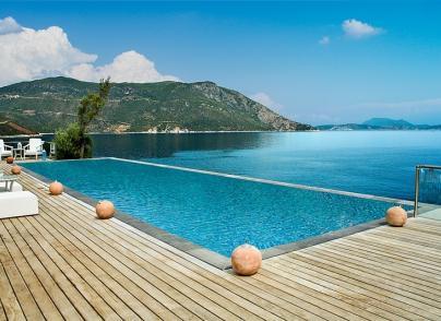 Luxury seafront retreat