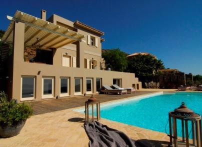 Villa with postcard sea views