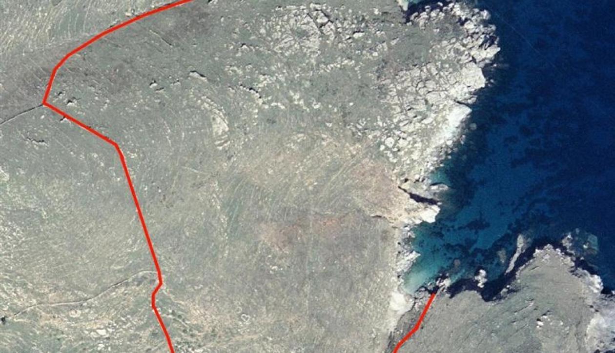Large land plot on the seashore
