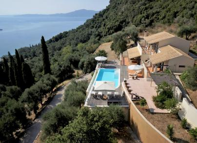 Villa of elegant style with dramatic unspoilt views