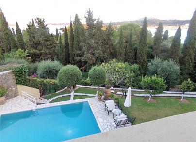 Private villa in the exclusive suburb of Kommeno
