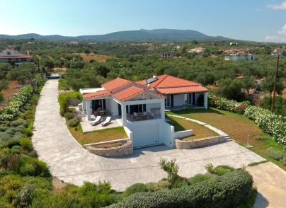 Beachfront villa in Peloponnese