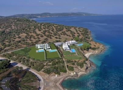 Beachfront, newly-built villa