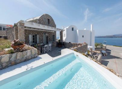 Traditional style villa in Santorini