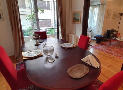 Spacious Art Deco apartment in the city centre