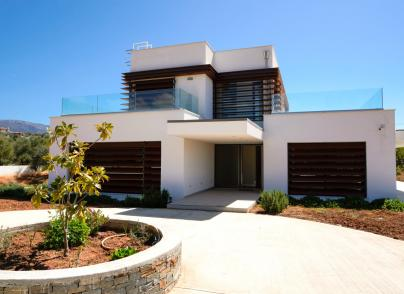High quality villa close to the sea