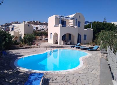 Villa in Akrotiri with caldera views and private pool