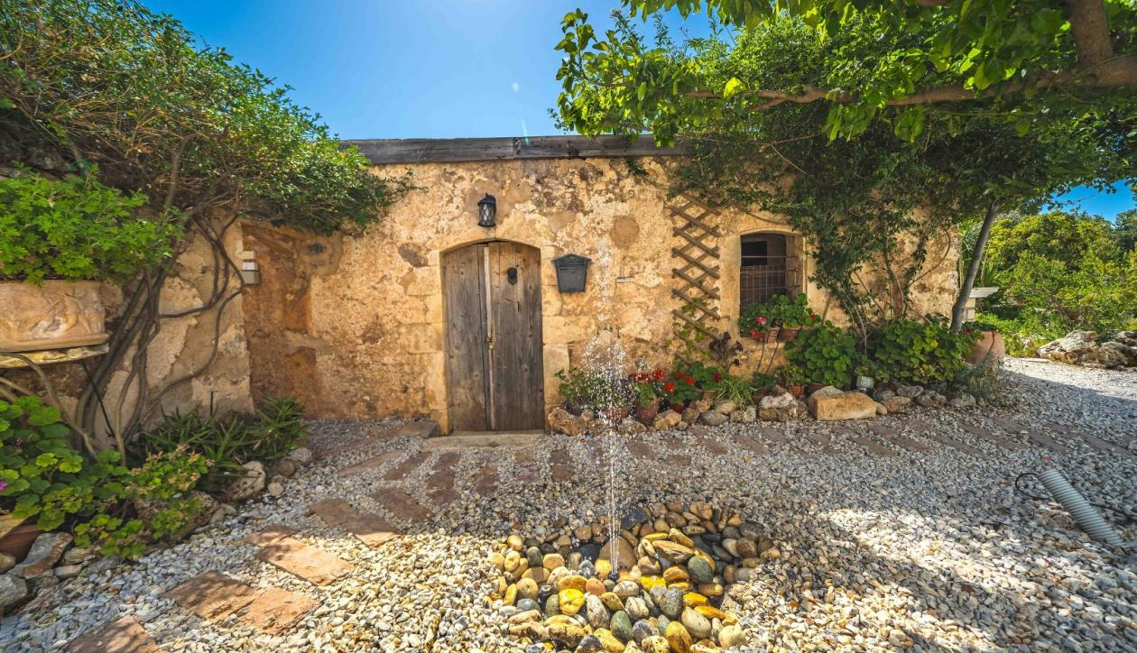 Villa with panoramic views of West Crete